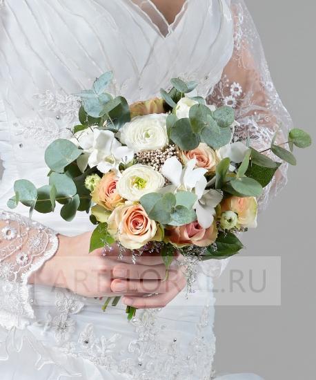 Букет из ранункулюсов свадебный — 7