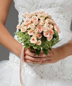 Свадебный букет из кустовой розы №2
