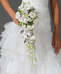 Свадебный букет из орхидей и эустомы №14