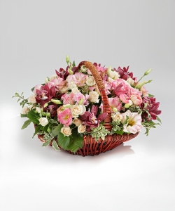 "Корзина цветов ""50 оттенков красного"""