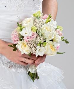 Свадебный букет из пионовидных роз №201