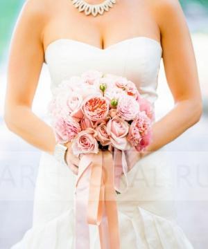 Свадебный букет из пионовидных роз №81