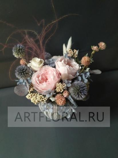 Композиция из стабилизированных роз и сухоцветов 15