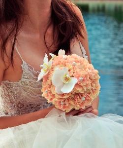 Свадебный букет из гвоздик и орхидей №179
