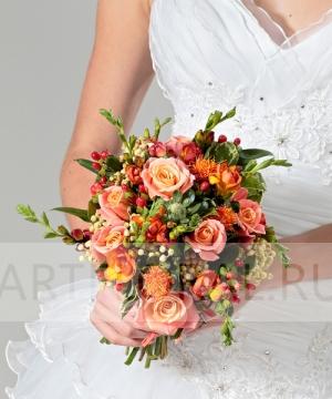Свадебный букет из роз и фрезий №51