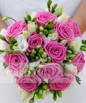 Свадебный букет из роз и эустомы №171