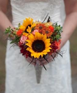 Свадебный букет из роз и полевых цветов №176